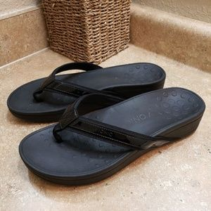 Vionic Black High Tide Platform Sandals 11